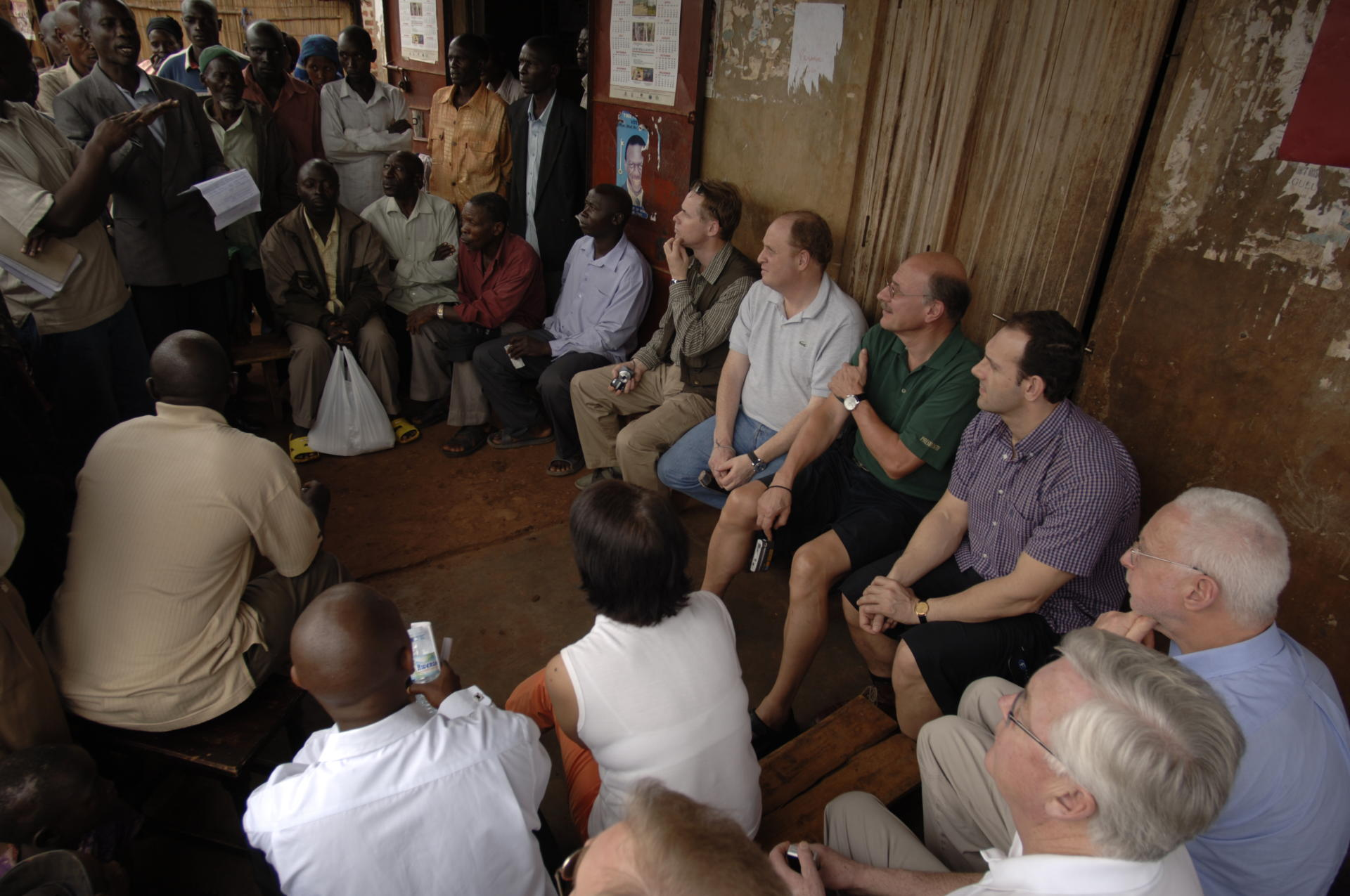 Discussing with coffee farmer organizations is important in coffee sustainability